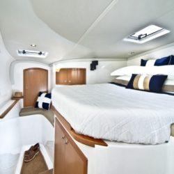 seawind1160- forward port cabin
